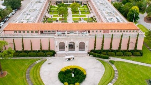 Museo proximo Orlando capa